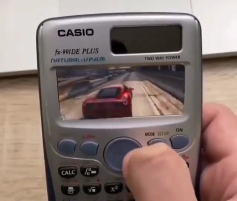 изображение для записи Играем в GTA 5 на калькуляторе, серьёзно? А выход ГТА 6 знаете когда будет?